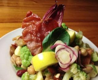 Salade au fuchsia