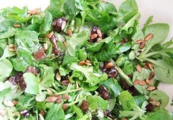 Salade verte aux graines de tournesol