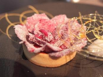 Tartelette de pétales de rose confit