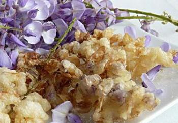 Beignets aux fleurs de glycine