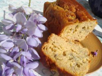 Cake aux fleurs de glycine