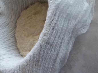 Façonnage du fromage en coton à fromage