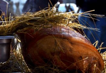 Jambon à l'os cuit au foin
