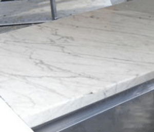 Tour de pâtissier en marbre réfrigéré
