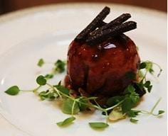 Truffe enrobée de foie gras, bâtonnets de truffe