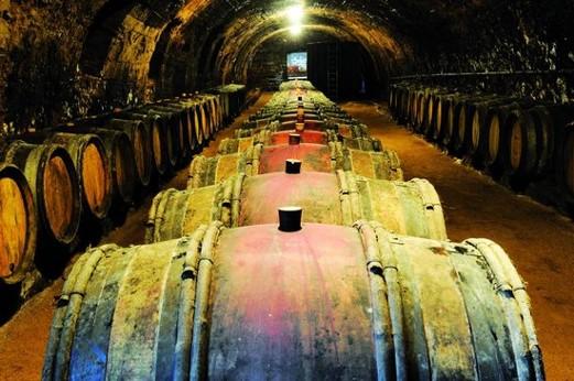 Caves voûtées du Château de Juliénas