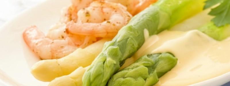Asperges verte et asperges blanches aux crevettes