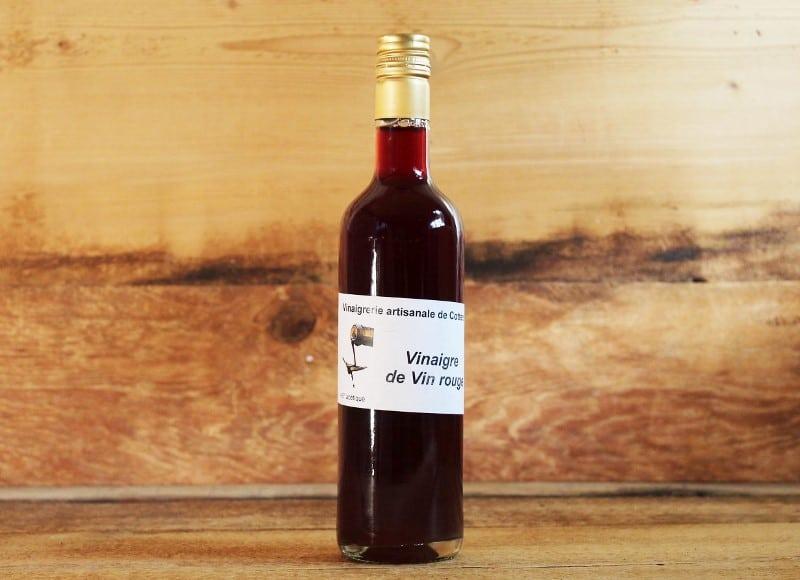 Bouteille de vinaigre de vin rouge
