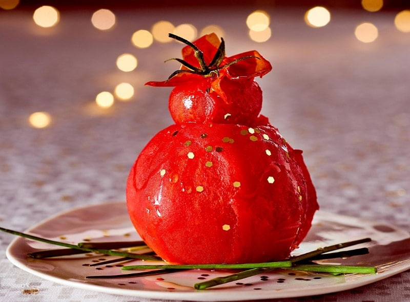 Religieuse de tomate de Noël