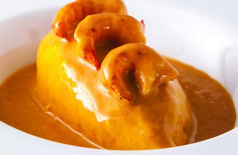 Quenelle de brochet à la lyonnaise, sauce Nantua