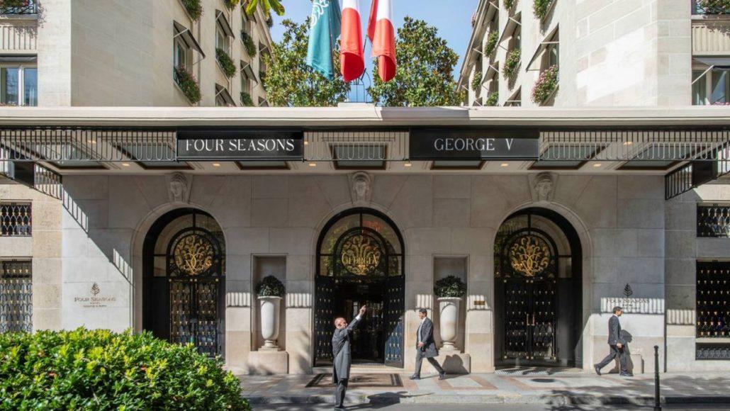 Le Four Seasons Hôtel George V, avenue George V à Paris