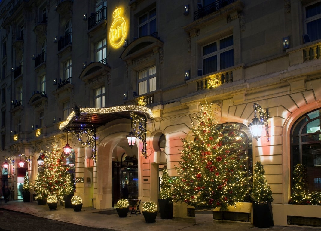 Le Royal Monceau - Raffles Paris un soir de fêtes de fin d'année