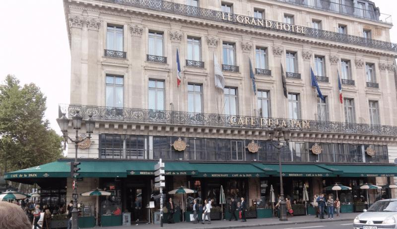 Le Café de la Paix place de l'Opéra à Paris