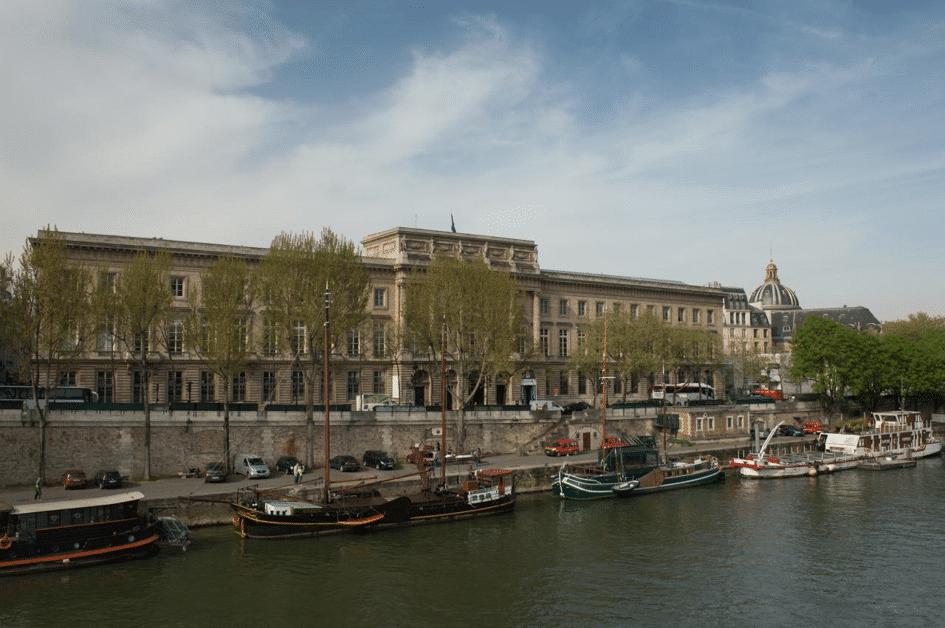 L'Hôtel de la Monnaie quai Conti à Paris