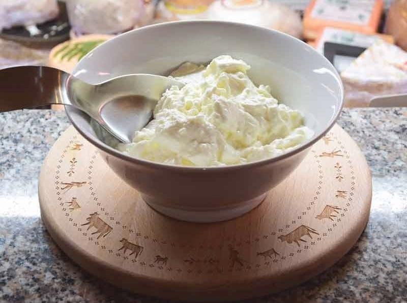 Fromage blanc à l'étal