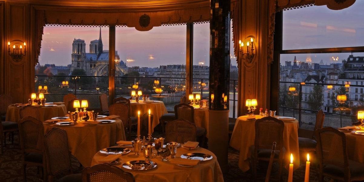 Restaurant La Tour d'Argent à Paris le soir