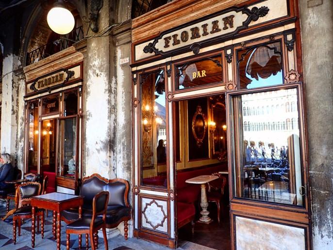 Le Café Florian sur la place Saint-Marc à Venise