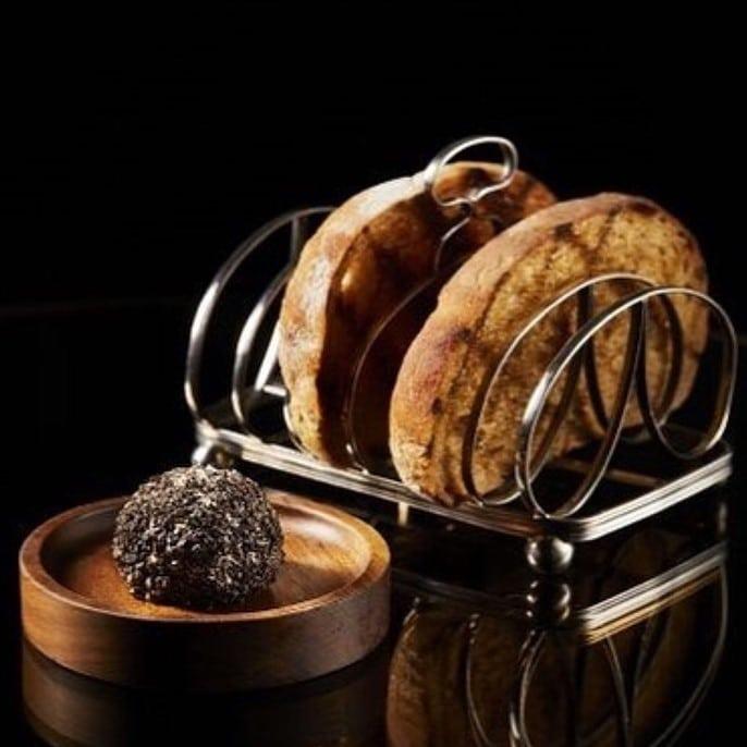 Truffe et pain grillé par Heston Blumenthal