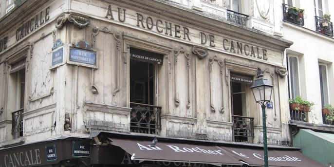 L'enseigne du Rocher de Cancale, rue Montorgeuil à Paris 1er arrondissement