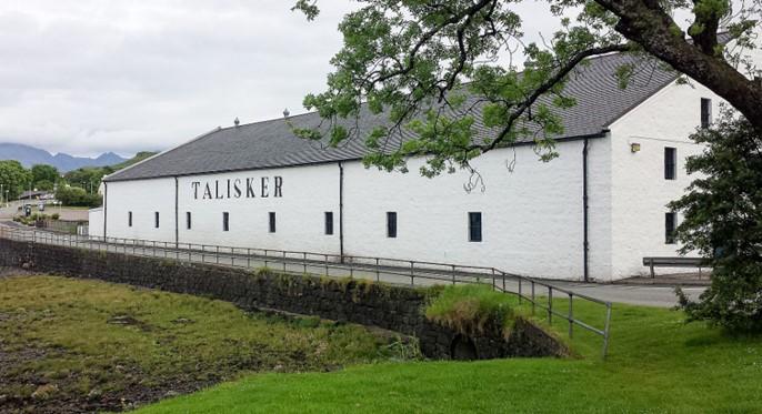 La distillerie Talisker à Carbost sur l'Ile de Skye en Écosse